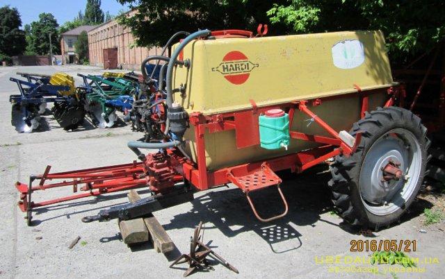 Продажа ОПРЫСКИВАТЕЛЬ ОП 2000 Б/У ПРОДАМ  , Сельскохозяйственный трактор, фото #1